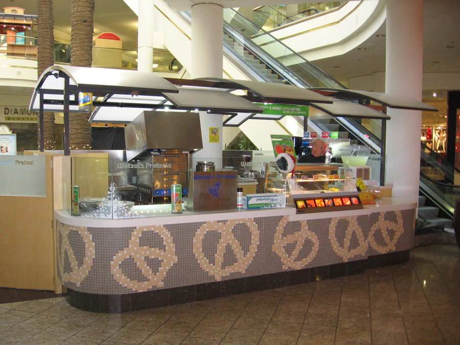 Food Kiosk Displays and Retail Store Installations for Mall