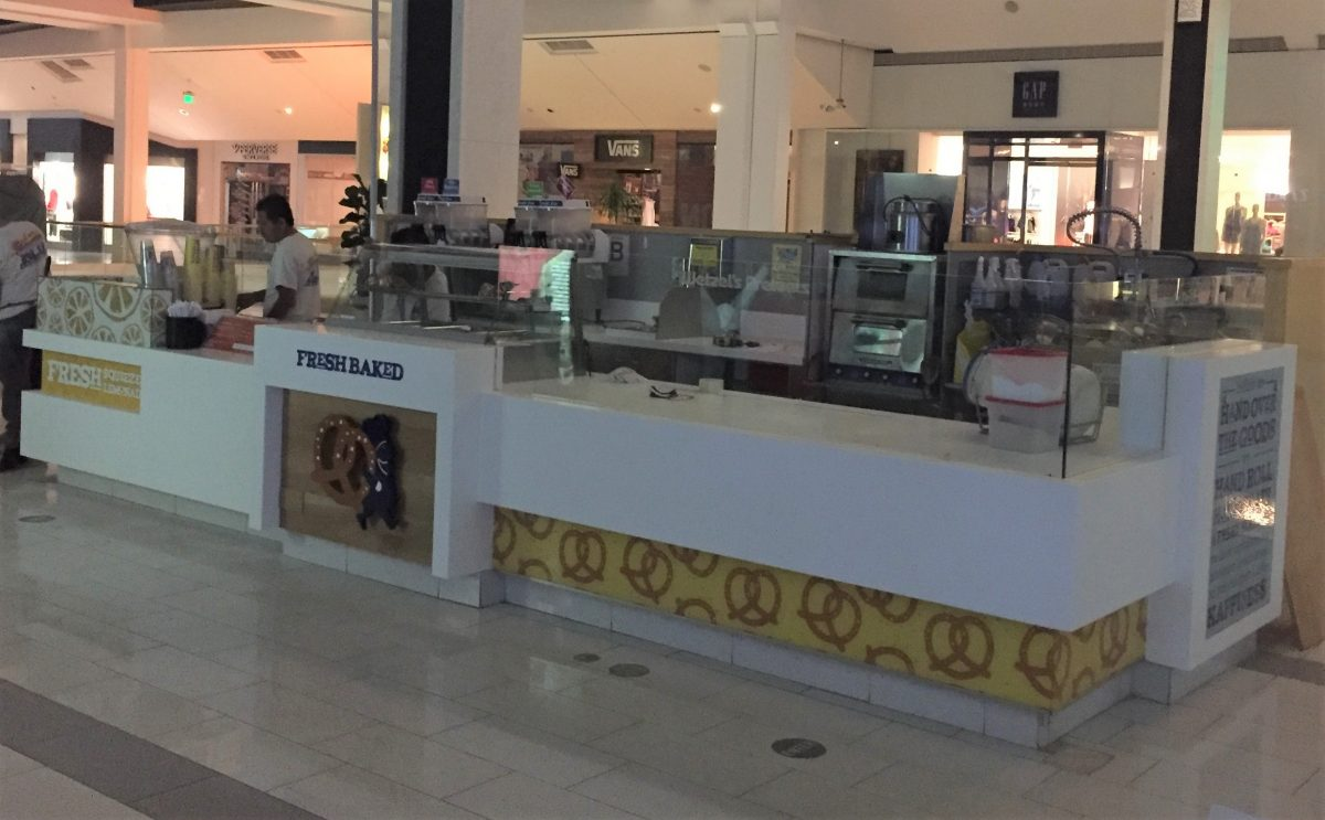 Wetzel's Pretzels Kiosk at Westfield Fashion Square on Level 2