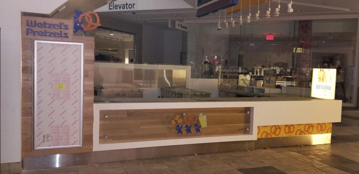 Wetzel's Pretzels Kiosk at Westfield Valencia Town Center