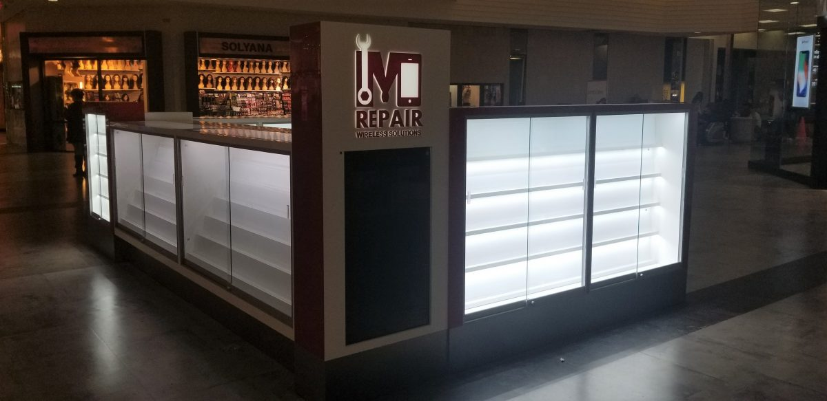 M Repair Wireless Solutions Kiosk at Northridge Mall