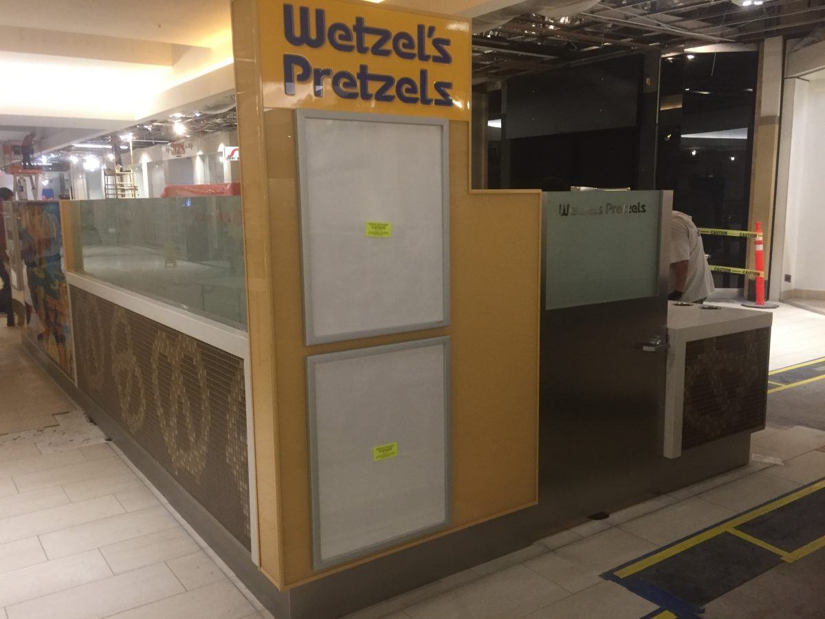 Wetzel's Pretzels Kiosk at The Shoppes at Carlsbad