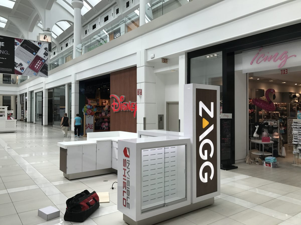 Zagg InvisibleShield Kiosk at Menlo Park Mall