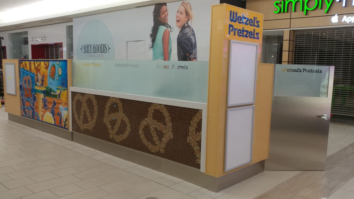 Wetzel's Pretzels Kiosk at Market Place Shopping Center