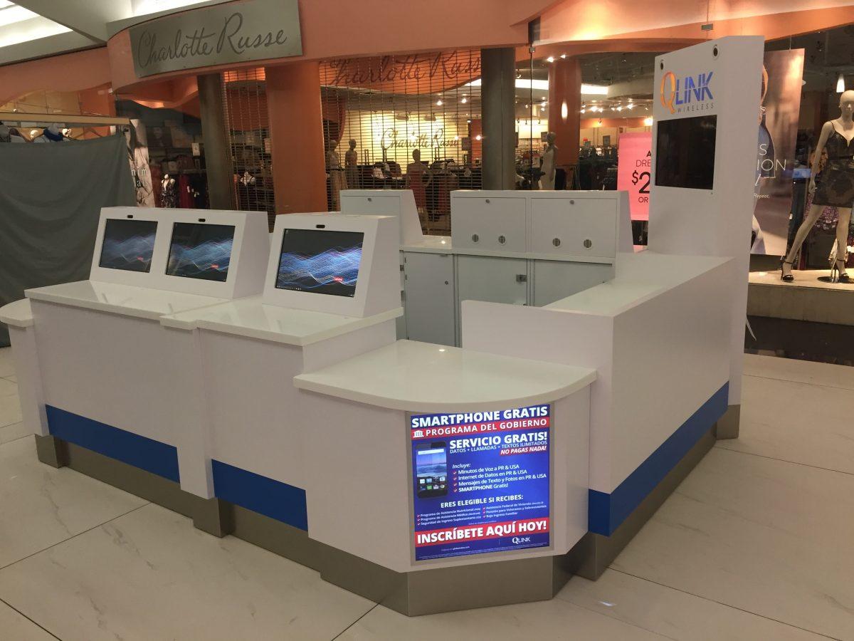 Q Link Wireless Kiosk at Plaza del Sol